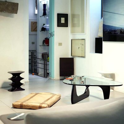 vitra-noguchi-coffee-table-007_zoom.jpg